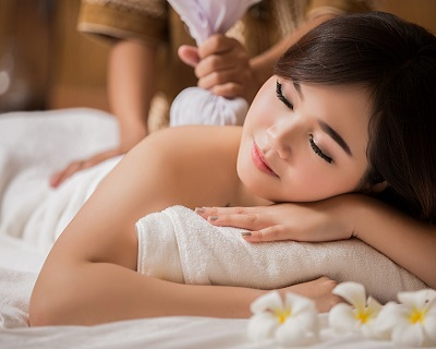 StreetDeal Health & Beauty Deal: Thomson: 70min Full Body Massage + Spa Treatment