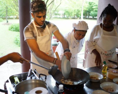 StreetDeal Activities & Classes Deal: Traditional Organic Thai Cooking Class with Lunch or Dinner