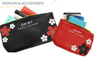 UP TO 65% off MARC JACOBS Daisy Purse & Pouch Set