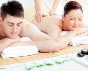 Aroma/ TCM Tuina/ Swedish Full Body Massage